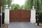 Aluminium gate with wiid effect finish